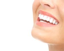 短期間で、安心して前歯が直せる「プチ矯正」とは?